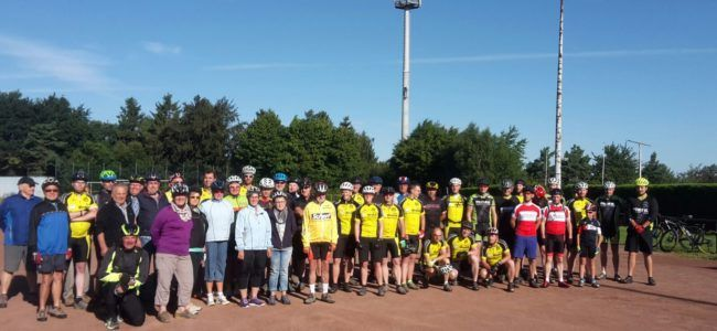 """Radsportgruppe mit """"Gäste-Biker""""  Sportwoche 2016"""