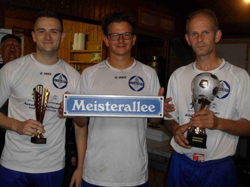 Pokalübergabe Dorfmeisterschaft