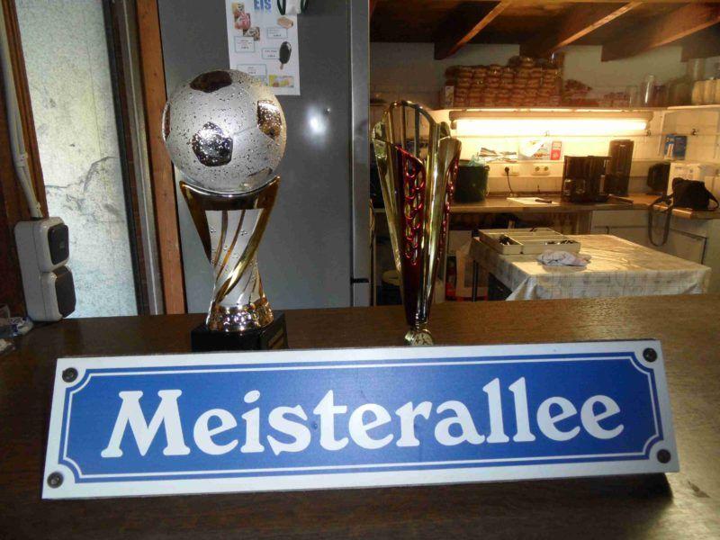 Pokale Dorfmeisterschaft