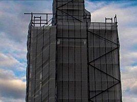 Kein Flickwerk wird gemacht am Turm von St. Hubertus